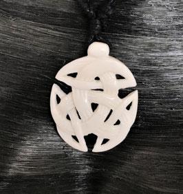 offene Dreifalt oval Keltischer Anhänger aus Knochen DRA-100