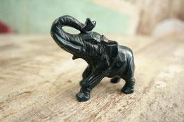 Kleiner Stein-Elefant 02