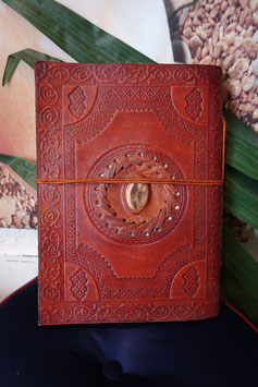 Leder Notizbuch mit eingefasstem Stein GR