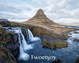 Chute d'eau Kirkjufellsfoss