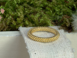 Fingerring gold gepunktet