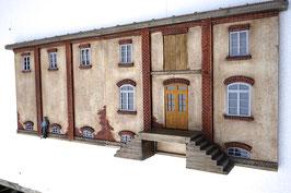 Relief Genossenschafts Gebäude  Spur 1  1:32 koloriert, bemalt , gealtert
