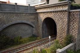 Tunnelportal mit Röhre für Spur 1 1:32 bemalt gealtert