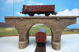 Viaduktbrücke mit Strompfeiler für Spur 0 1:45 koloriert bemalt gealtert