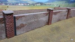 5 Fabrikmauern mit Ziegelpfeiler Spur 1 1:32 bemalt gealtert