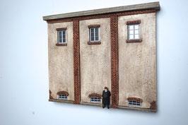 Relief  Genossenschafts Gebäude Seitenfront  Spur 0  1:45 koloriert bemalt gealtert