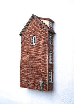 Kleinstadt- Wohnhaus Relief Spur 0  1:45 koloriert bemalt gealtert