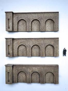 """Beton Stützmauern  """"niedrig""""  Spur 0  1:45 koloriert bemalt gealtert"""
