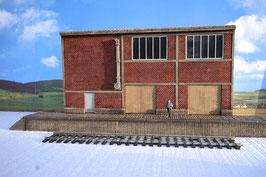Zucker Fabrik  Relief  mit  Rampe und Tür   Spur 1  1:32 koloriert, bemalt , gealtert