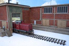 Zucker Fabrik  Gebäude mit 2 Rampen Einfahrt  Rechts  Spur 1  1:32 koloriert, bemalt , gealtert