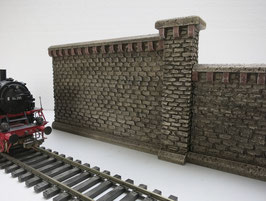 "Mauer Rotstein ""groß"" mit Pfeiler  2Teilig Spur 0  1:45 koloriert bemalt gealtert"