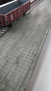 Bahnsteig Segment für Spur 1 1:32 koloriert bemalt gealtert