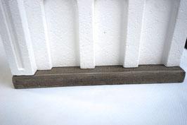 Betonfundament für Betonstützmauer Spur 0  1:45 koloriert bemalt gealtert