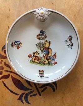 """Assiettes """"chauffantes"""" rétro en porcelaine pour bébé - années 60/70"""