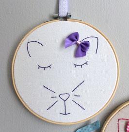 Chat Violet sur toile Blanche