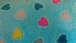 Fleece hellblau mit bunten Herzen
