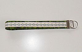 Schlüsselband grün mit Stickerei