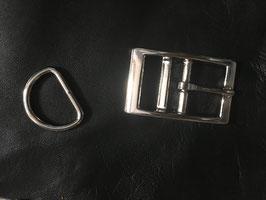 Schnalle und D-Ring: