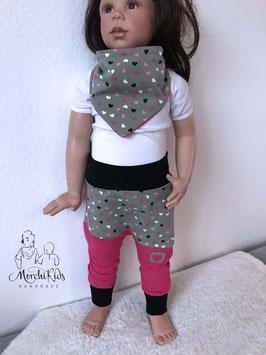 """Baby Set Halstuch Pumphose """" Herzen auf grün / pink """" Größe 74 80"""