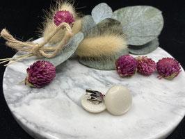 Ohrstecker oder Ohrclips matt in 20mm ( white 70 )