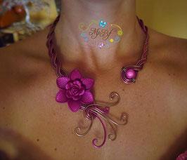 Collier Fleur mat fushia