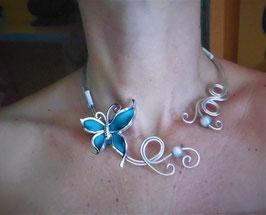 Le collier Papillon bleu