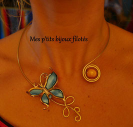 Collier chic papillon turquoise doré