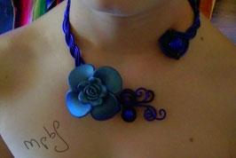 Le Collier Fleur bleue