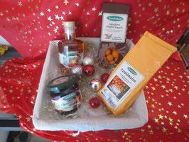 Geschenkkorb mit 1 Likör, Aufstrich, Tee und Trüffelkugeln