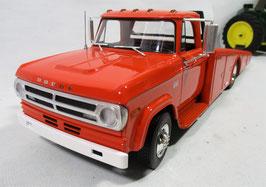 Dodge D-300 Ramp Truck  Burt Orange 1/18 Acme