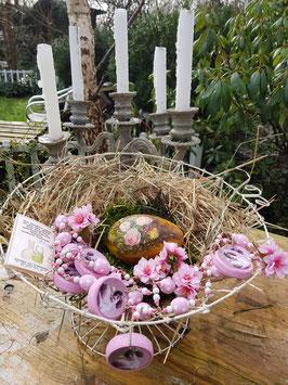 Ostergirlande (Unikat) * POLKA CHICK* mit rosa Kirschblüten & rosaweiß gepunkteten Holz-Ostereiern