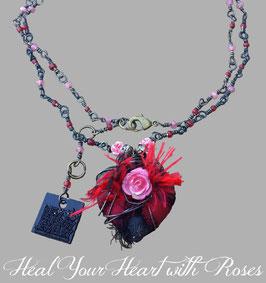 *BLACKHEART ROSENHERZ ROT* Magische Herzkette mit Röschen, Vintage-Glasperlen & Achat