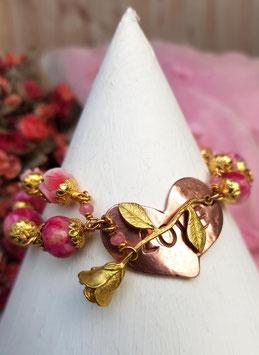 vergoldetes Armband *LOVE* mit poliertem Kupferherz, Apfelbäckchen-Jade, Korallenröschen, einem Rehkitz-Anhängerchen & einer vergoldeten Rose für die Liebste!