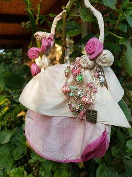 *ALICE IN WONDERLAND* Armband- versilbertes, zuckersüßes Armband von Alice aus dem Wunderland mit Koralle, Lampwork, Kaninchen- und Teekannen-Anhänger