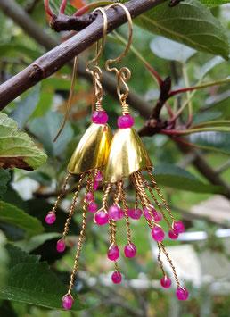 """Süße, vergoldete Ohrringe *PINK-A-BELLE"""" mit magentafarbenem Chalzedon"""