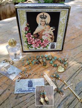 1.) Natalies gesegnete Edelstein-Halskette nach Rosenkranz-Art mit Howlith & Jade, vergoldet