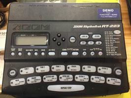 USED 新品同様! ZOOM RT-223 フットスイッチオ&電源アダプター付き!