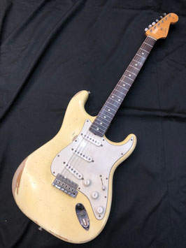 中古 Fender USA American Vintage '62 Stratcastar Relic