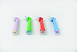 4  Aufsteckbürsten (ähnlich wie Oral-B Kids)