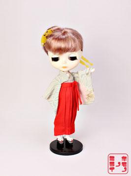 赤い袴と菊小振袖 S.001hk
