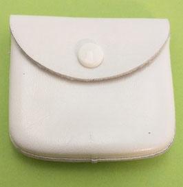 Rosenkranztäschchen aus Leder weiß