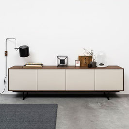 Sideboard Noon