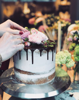 DRIP FLOWER CAKE WORKSHOP 02.11.2019 BERLIN-CHARLOTTENBURG