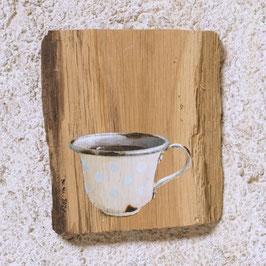 Emaille-Tässchen beige mit Kaffee