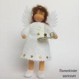 Engel mit Beinchen und Leuchter