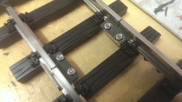 Art.-Nr. 15.197 Edelstahlschienenverbinder trainli® 19 mm für Code 332 Geleise-1 teilig