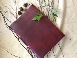 genähtes Lederbuch