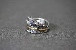 K18 Point Feather Ring