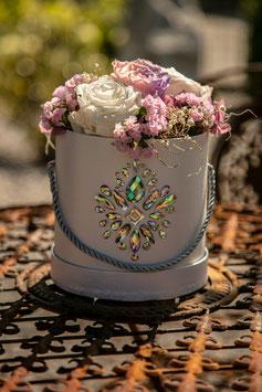 Luxury Glam (M) (White Box)