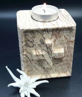 Kerzenhalter. Unikate. Holz. Swiss Made.